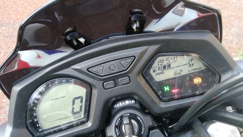 02_Honda_CB650F_Tableau_de_bord