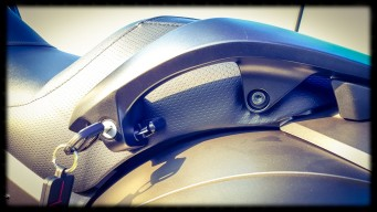 © Motards-IDF - Test Honda F6B - 21 Acces coffre