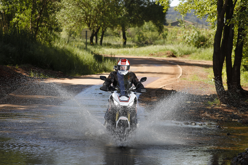 Honda X-ADV 2017 - 13 - Offroad Gué