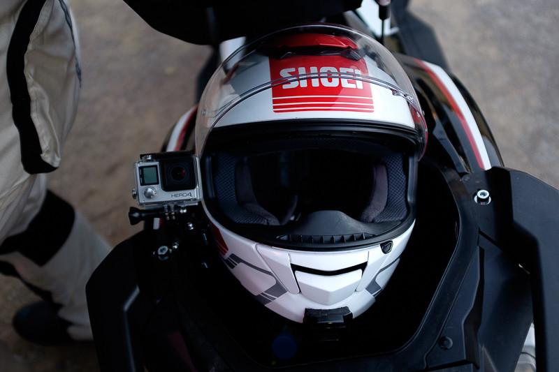 Honda X-ADV 2017 - 16 - Coffre casque GoPro